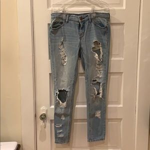 BDG distressed jeans size 26